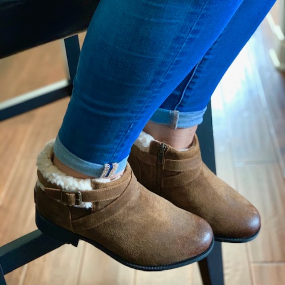 0f6bad8376f UGG Benson ankle boots new in box NWT